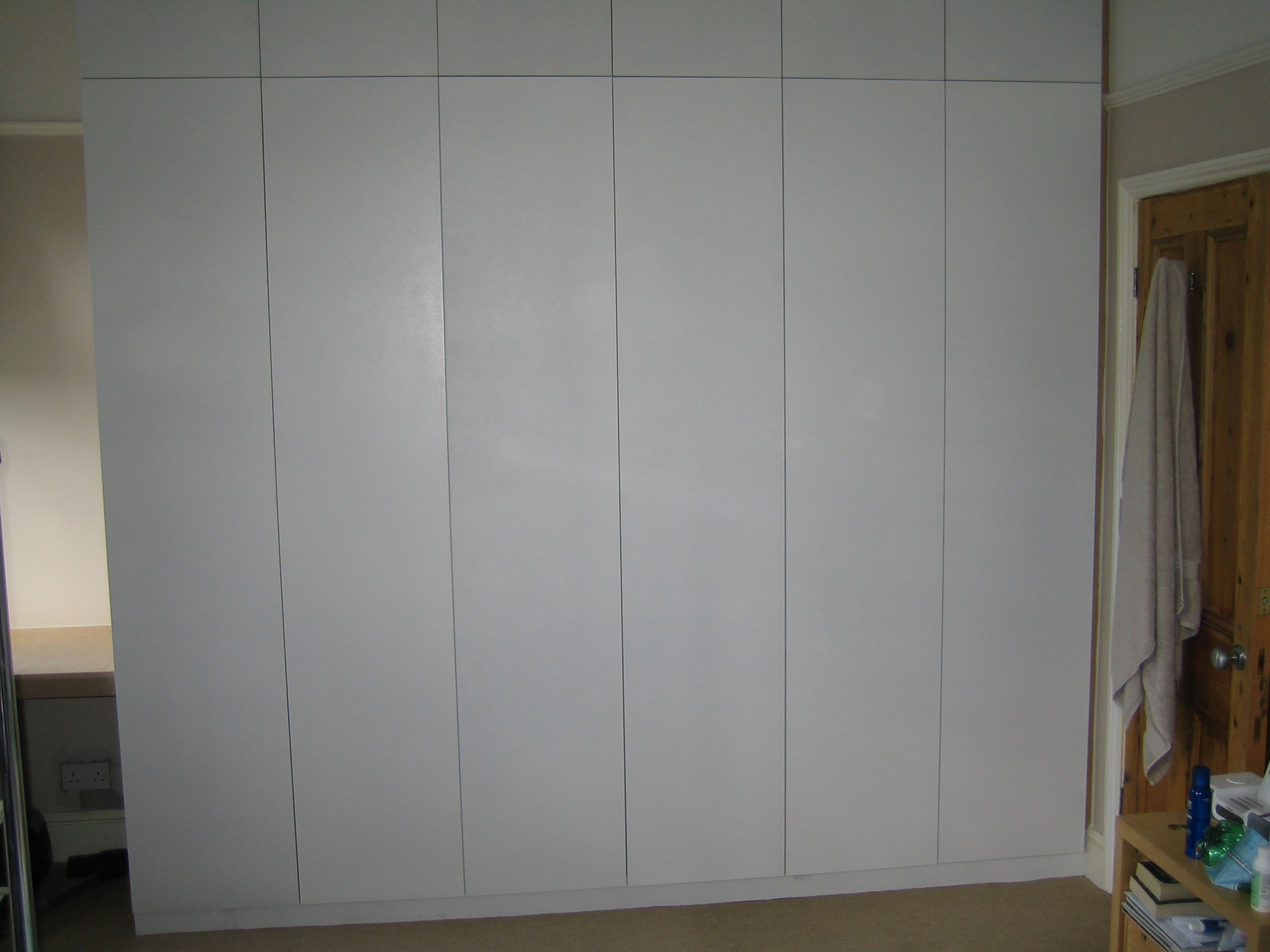 Http Www Londoncarpentrysolutions Co Uk Custom Made Wardrobes