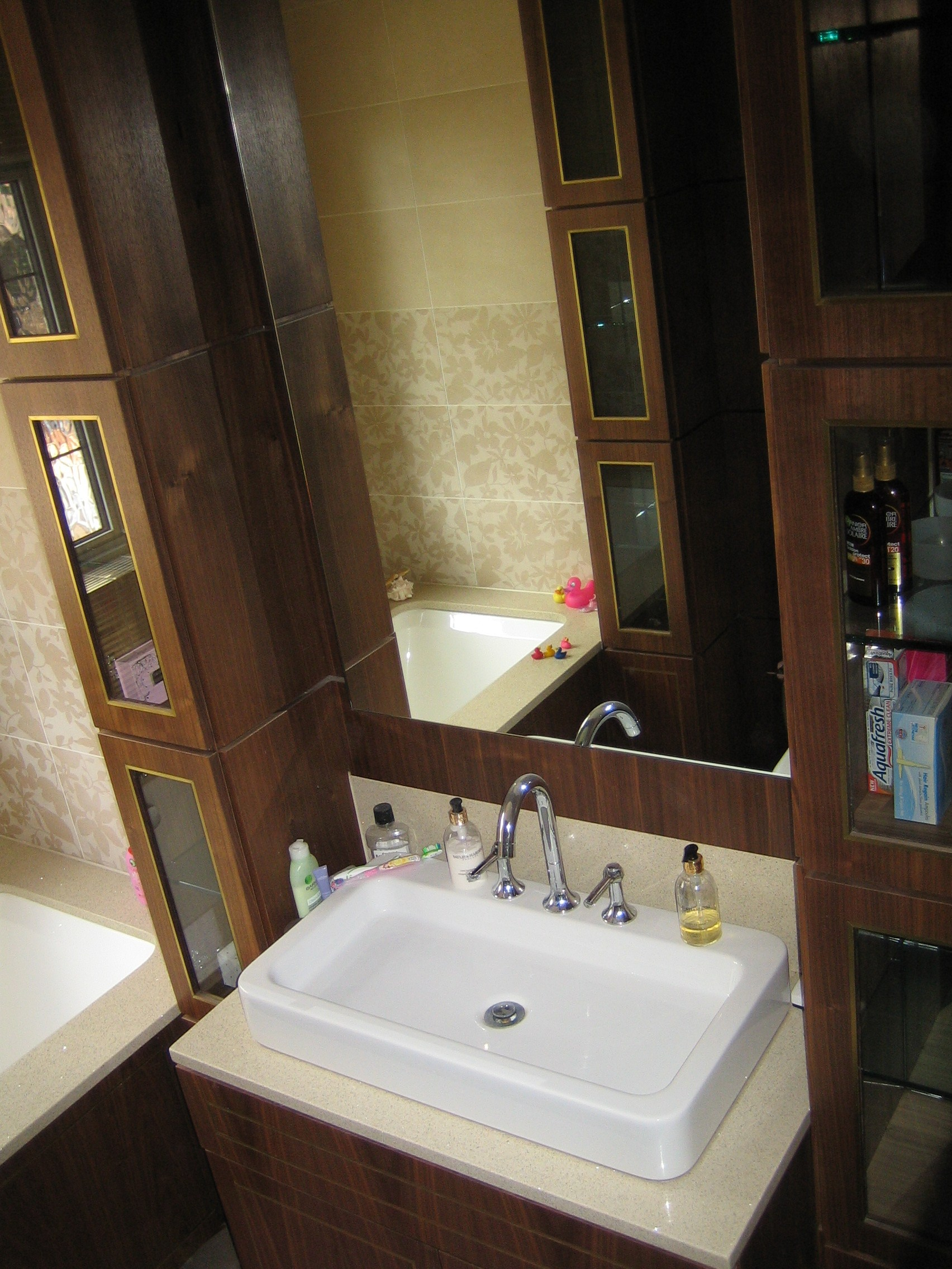 Bathrooms london carpentry solutions for Custom made mirrors for bathrooms
