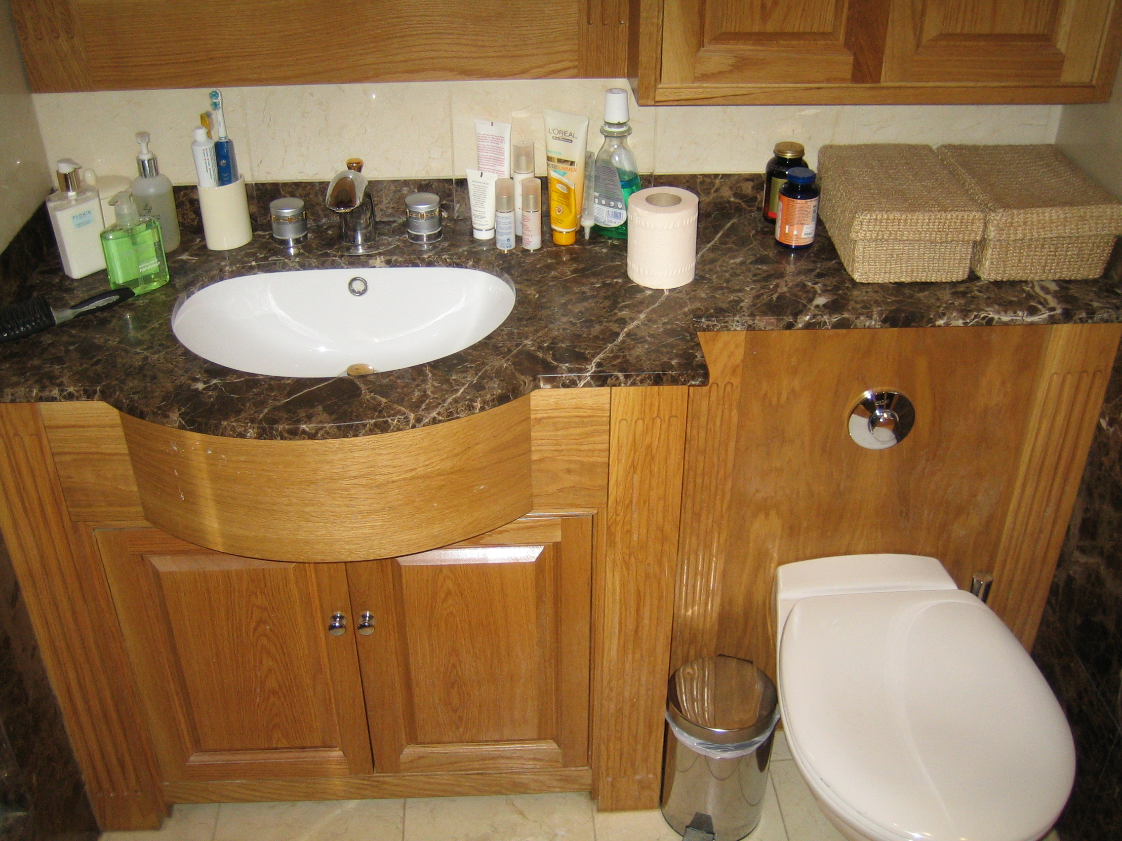 Bathroom cabinets london bathroom cabinets for Bathroom decor london ontario