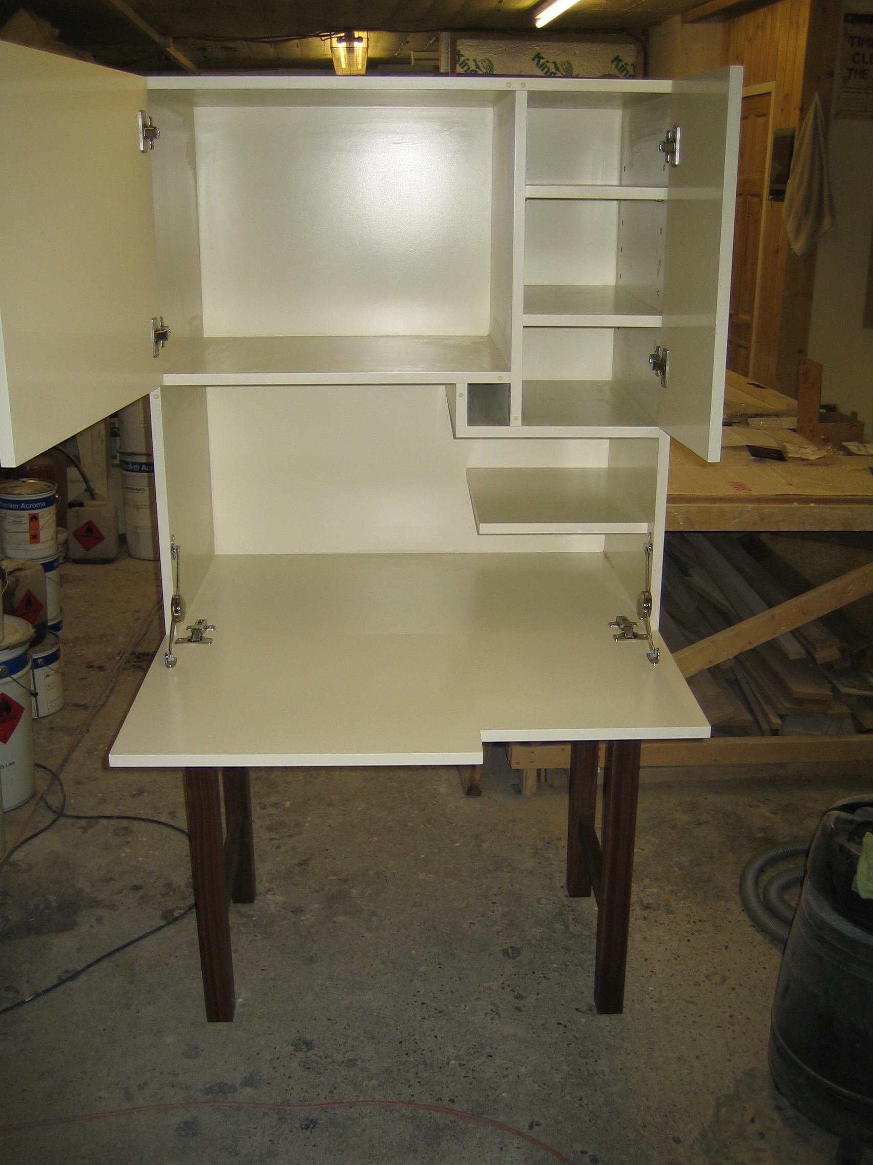 Unique desigh pc desk london carpentry solutions for Creative desk solutions