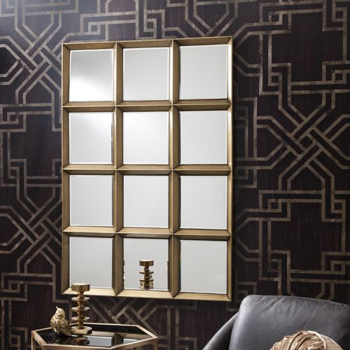 The banbury mirror fits in with any decor.